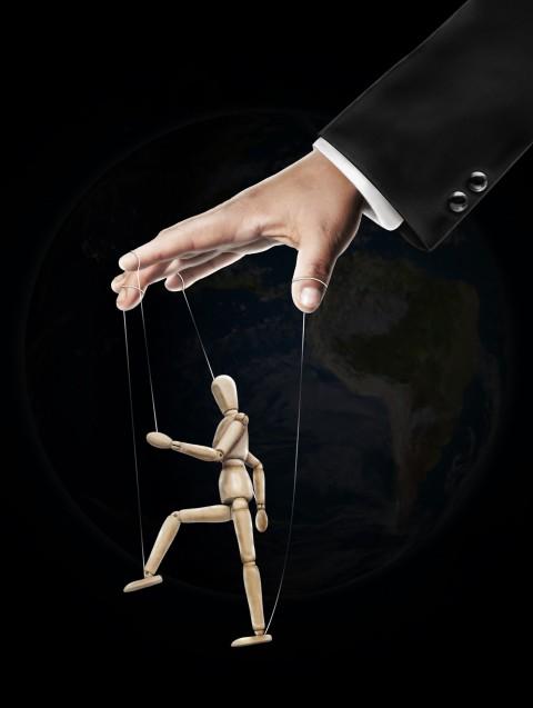 Metody manipulacji, które ułatwią Ci życie oraz książki dzięki, którym ich się nauczysz